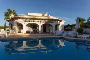 Alquiler casa con piscina privada en Jávea