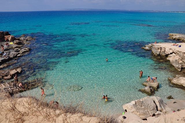 Dénia a Formentera en un día - beach houses valencia
